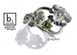 15rss200 peridot flower wire ring 600x430